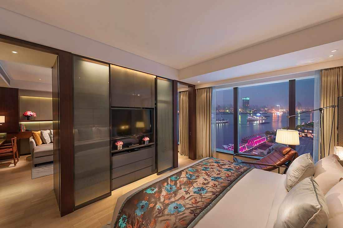 Shanghai apartments mandarin oriental shanghai for One room studio apartment