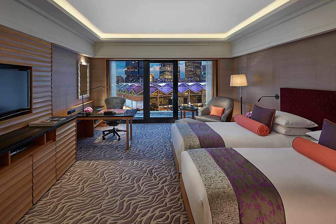 Luxury Accommodations Near Marina Bay Mandarin Oriental
