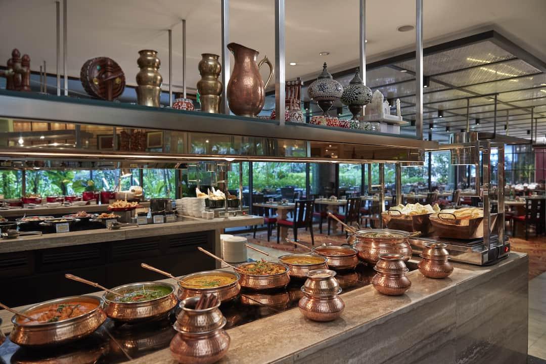 Melt Cafe - International Cuisine Near Marina Bay | Mandarin Oriental,  Singapore