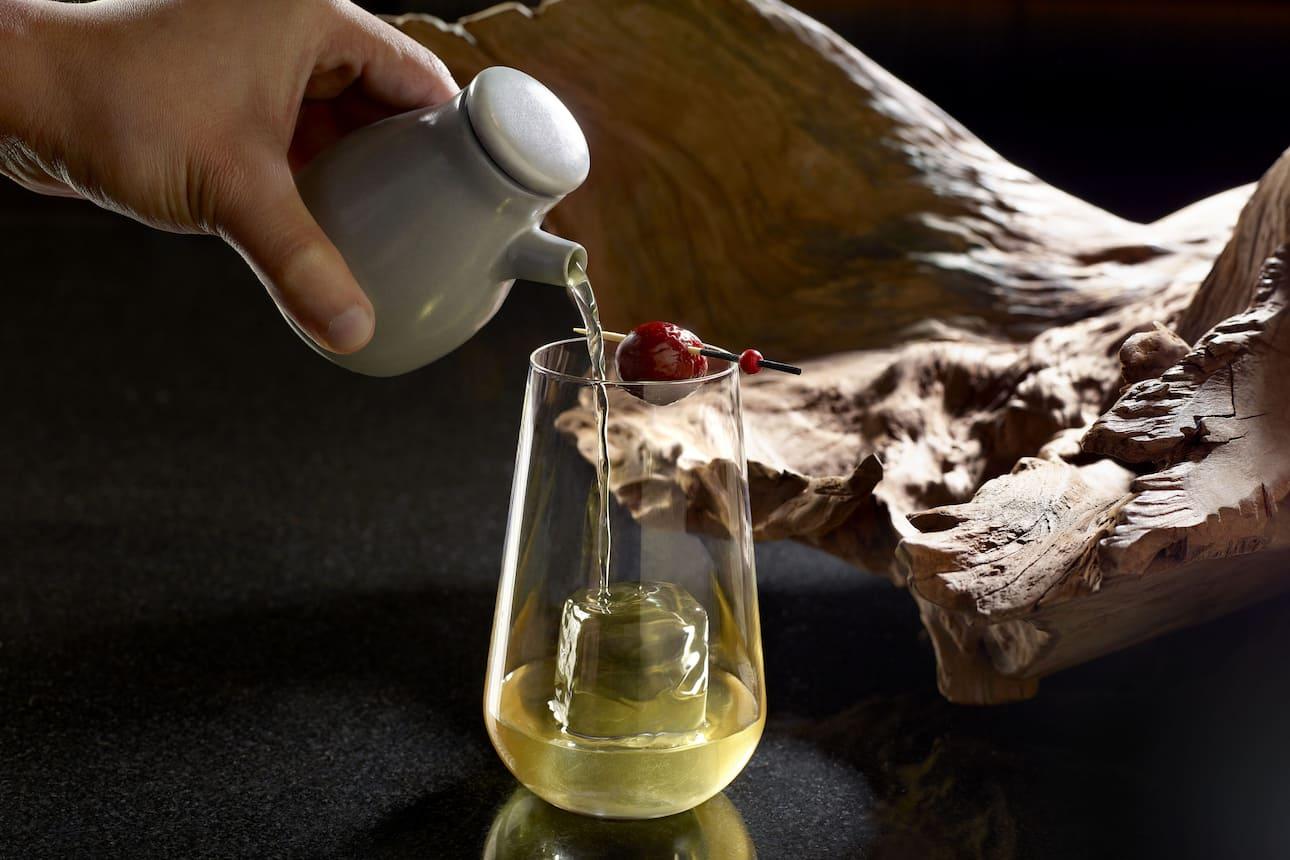 cocktail lions den