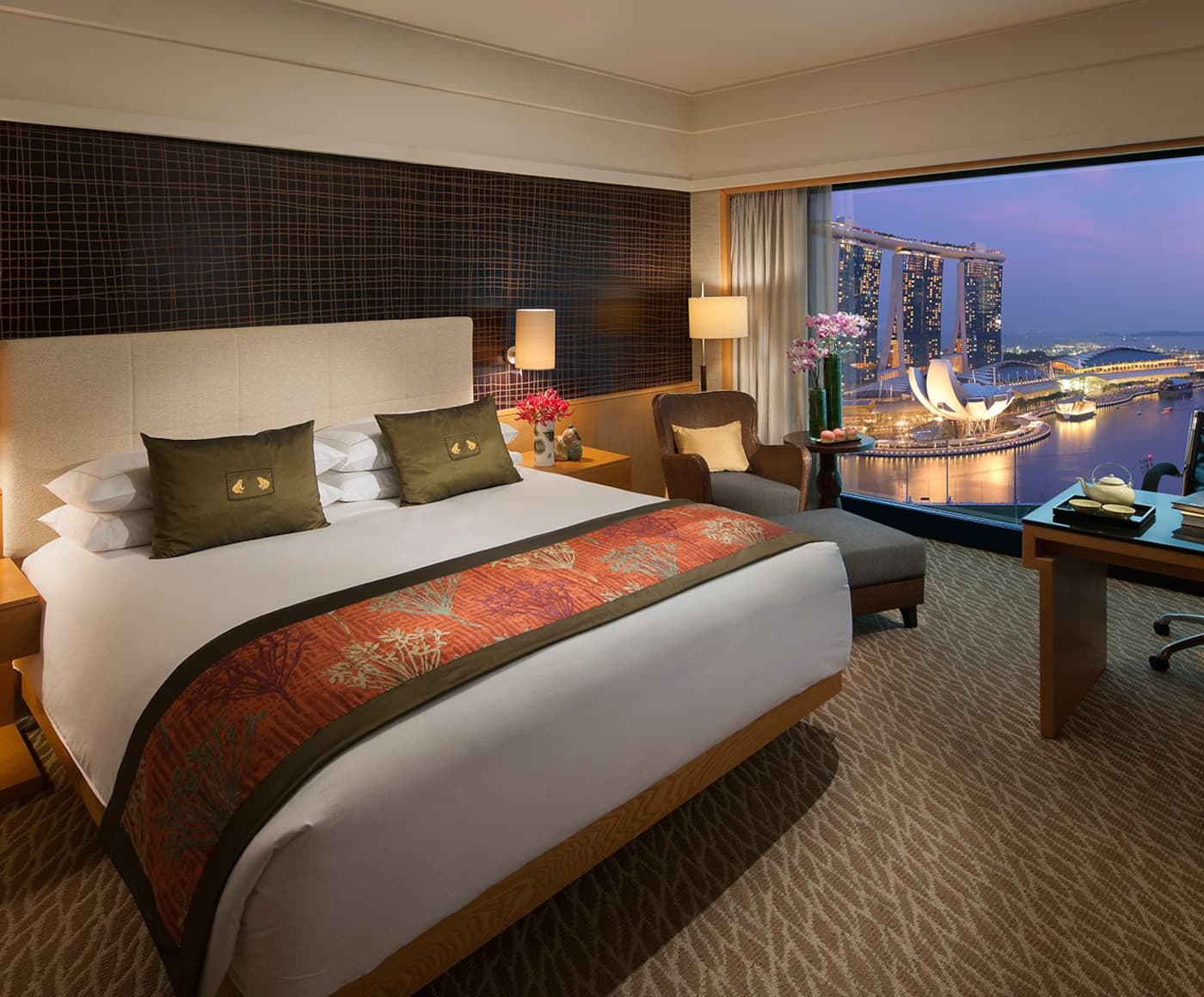 Luxury hotels singapore marina bay mandarin oriental for Singapore five star hotel