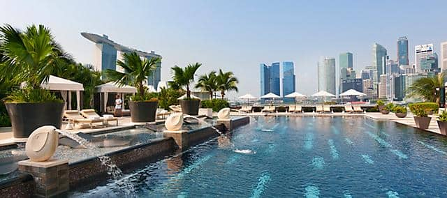 Luxury fitness wellness marina bay mandarin oriental - Marina mandarin singapore swimming pool ...