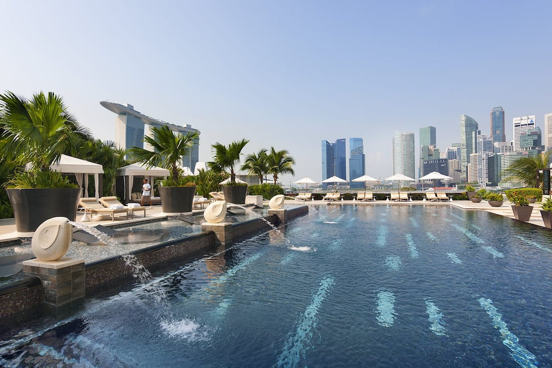 Luxury hotels singapore marina bay mandarin oriental for Pool garden marina mandarin