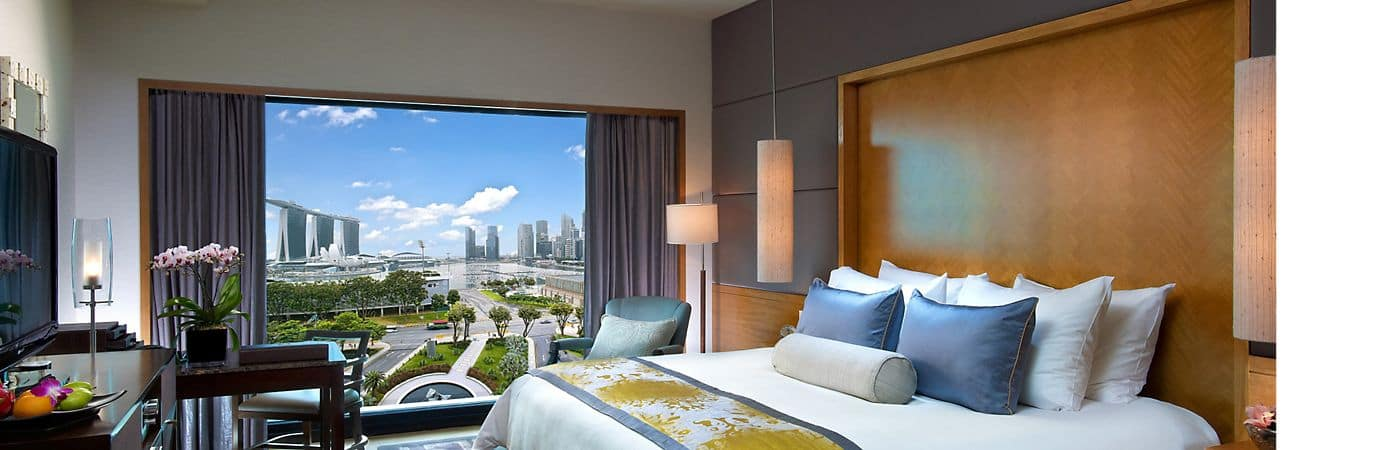 The accommodations at Mandarin Oriental, Singapore offer a simple oriental style surrounded by breathtaking views of Singapore