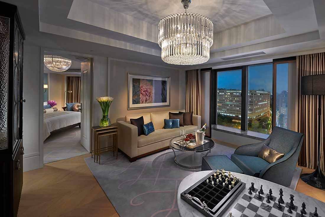 Club City Suite living room