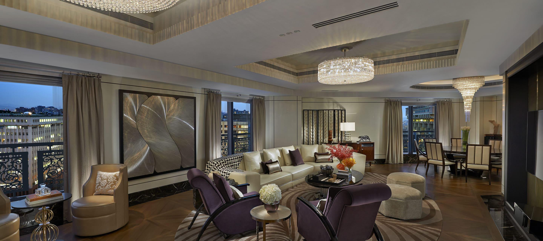 Luxury Accommodations In Songshan Mandarin Oriental Taipei