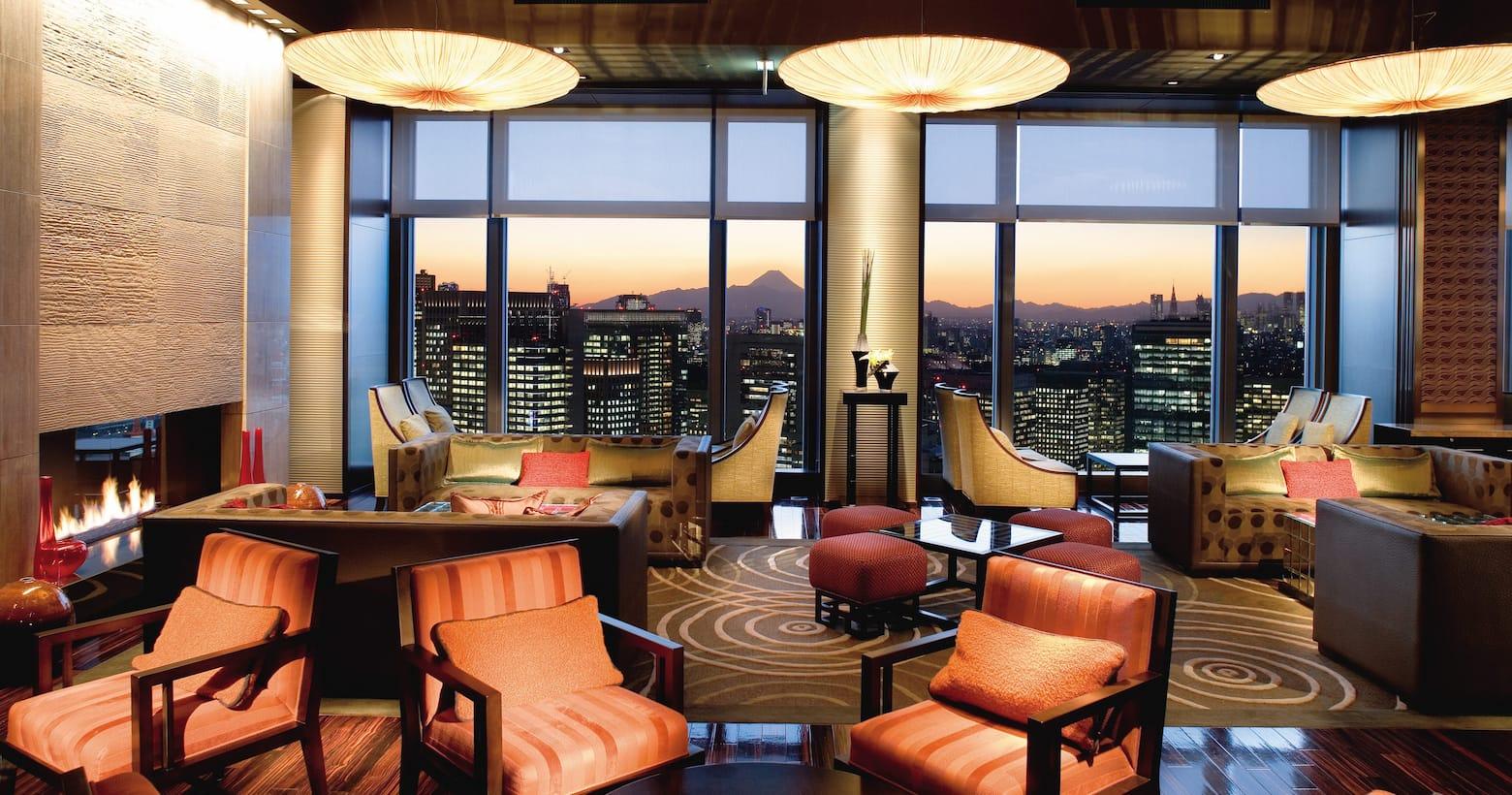 Oriental Lounge interior