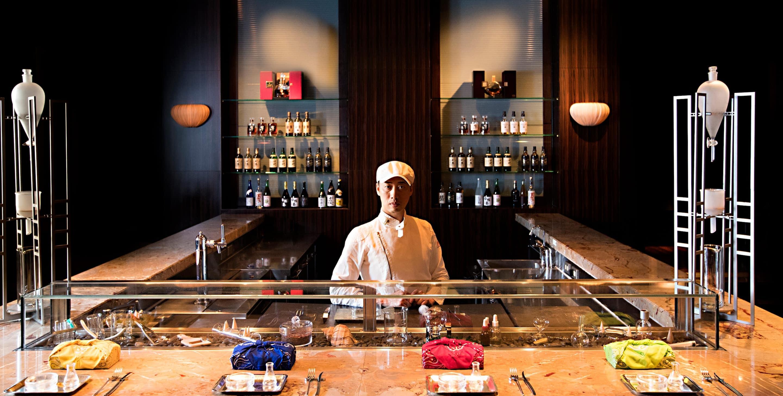 Tapas Molecular Bar – Fusionsküche in Nihonbashi | Mandarin Oriental ...