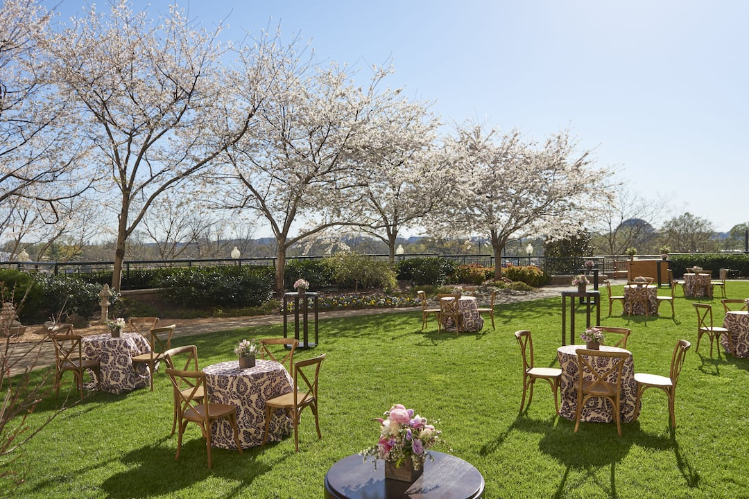 banquet in garden at mandarin oriental, washington dc