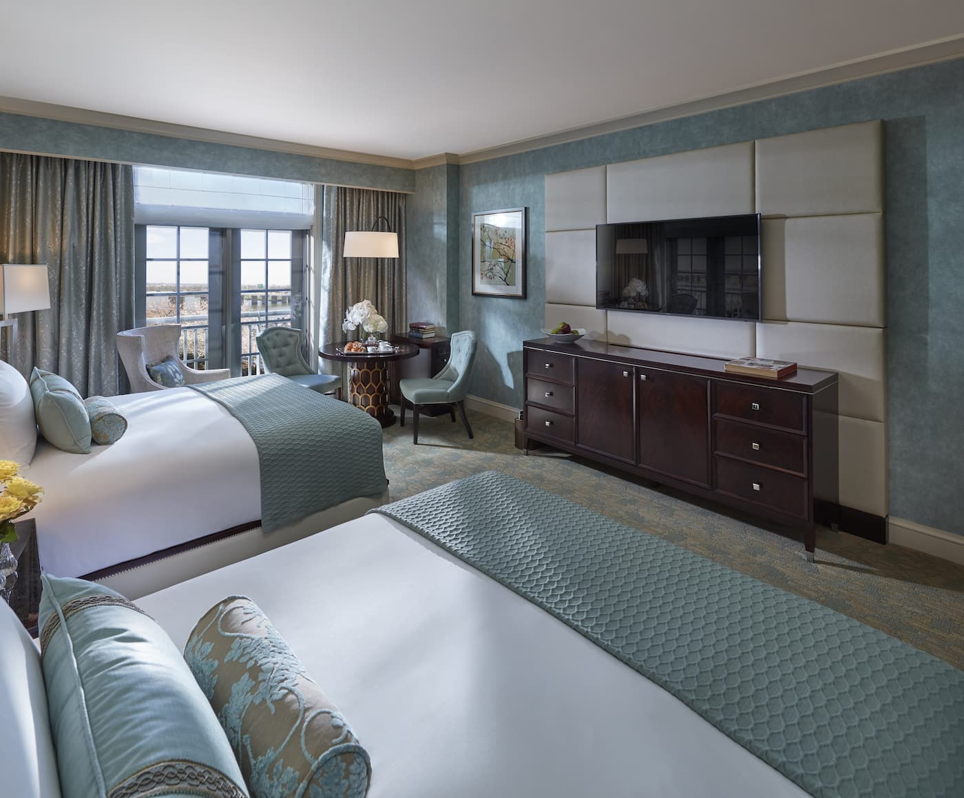 Luxury 5 star hotel national mall mandarin oriental washington d c for 2 bedroom suite hotels washington dc